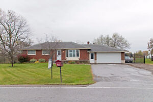 Spacious Home in a massive lot in St. Catharines for Sale!