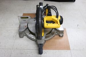 **SAW** Dewalt DW713 10in Compound Mitre Saw - 16952