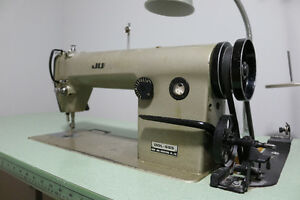 Juki DDL-555 Industrial Sewing Machine (Good Condition)