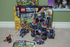 Lego Open Mint complete Nexa Knights - The Fortrex & Mecha Horse