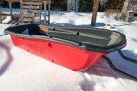 Luge Snow Trek Sport 75 Pelican, comme neuve 225$ négociable :-)