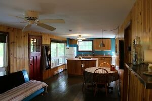 Fenelon Falls/Sturgeon Lake Cottage Rental!!