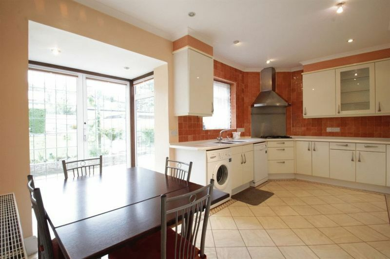 4 bedroom house in Allington Road, Hendon, NW4