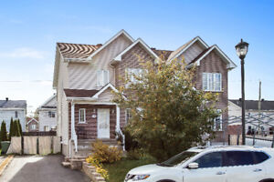 Large Semi-Detached townhouse close to all amenities
