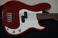 Fender Squier P-Bass with Case, Strap and Amplifier