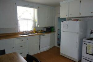 Teacher's College Students  -  4 bdrm house, 5 min walk, 16 mth