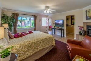"""***Santa Barbara, Calif*** Kitchens, Fireplace, Dog Friendly"