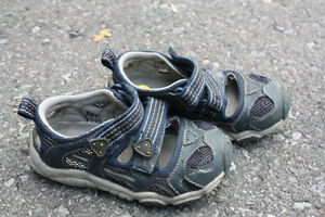 Variety of Boys Shoes - Size 5 to Size 11.5 Peterborough Peterborough Area image 3