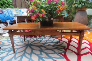 Beautiful mid century modern coffee and end table set!
