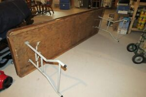 8 FOOT FOLDING BANQUET TABLE