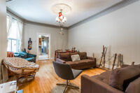 Mid June to end of August: Room in Beautiful Mile End Apartment