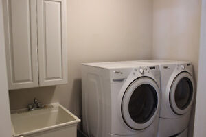 whirlpool gold washer & dryer combo with pedestals *** PPU ***