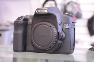Canon EOS 50D 15.1MP DSLR Camera (Body Only) + Charger