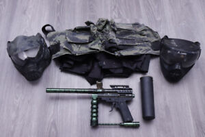 ASSORTED PAINTBALL GEAR + CAMO PAINTBALL MARKER