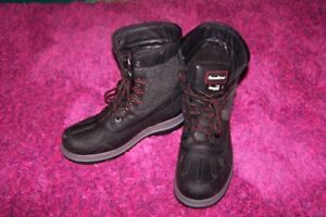 winter boots new condition, waterproof, Men boots size 8 , clean