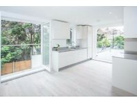 *PRIVATE TERRACE* Stunning Three Double Bedroom Flat in Acton W3 Zone 2
