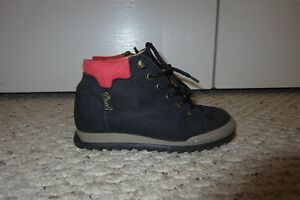 Davis Navy Leather Boots - size 28(EUR) or 11(US) - Like New!