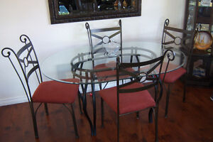 Pier 1 Oval Glass  Dining Table with 4 chairs