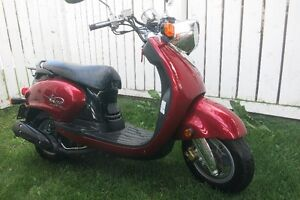 2009 Yahama VINO 125cc SCOOTER ........ Class 6 License for FREE
