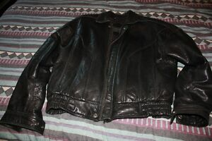 Leather jacket in great condition Size M paid $400.00 only askin London Ontario image 1