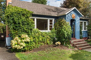 2580 Rosedale Avenue, Armstrong - Adorable Character House