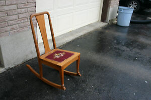 ANTIQUE ROCKING CHAIR London Ontario image 2