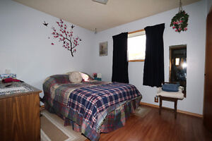 Check out this 1078sqft bungalow, complete w/ an attached garage Regina Regina Area image 7