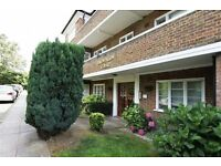 3 bedroom flat in Brownlow Court, East Finchley, N20