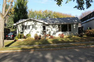 BEAUTIFUL HOME - FANTASTIC LOCATION AND VALUE IN ST ALBERT