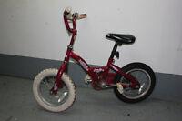 Vélo de marque Raleigh pour fille