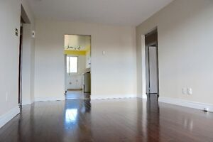 5 1/2 renovated apartment in 4 plex west island - appartement