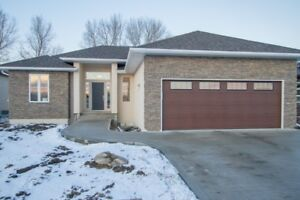 Gorgeous Brand New Bungalow in Lorette