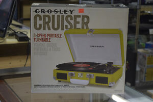 **LIKE NEW** Crosley CR8005A Cruiser 3-Speed Portable Turntable