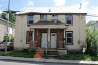 CLOSE TO QUEEN'S & DOWNTOWN - 1 BED FOR RENT
