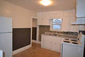 Wallaceburg 3 bedroom - Dec 1st - $699+ - Large Shed available