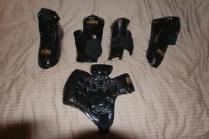 Macho sparring equipment