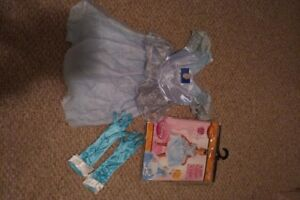 Like-new! Cinderella costume, 4-6x sizing