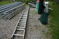 14' ALUMINUN EXTENSION LADDER. GOOD CONDITION