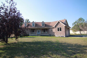 Spacious Bungalow on 4.21 Acres in Sturgeon County
