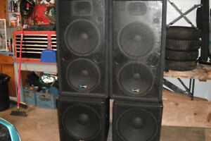 18' SUBS NEW USED ONCE , POWER AMP 3000 WATTS , ALL NEW CORDS