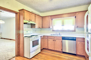 Great bunalow in Mitchell! Quick possession! Stratford Kitchener Area image 4