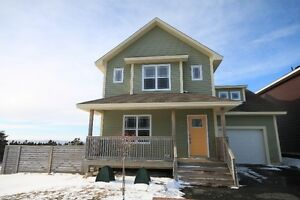 Stunning 2 apt with ocean views | 62 Chatwood Cres | $399,900
