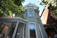 Rooms for Rent Close to University of Toronto 3 Prime Locations