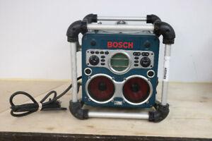 **BEYOND** Bosch PowerBox Jobsite Stereo, PB10-CD