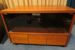Vintage teak stand/cabinet - great condition