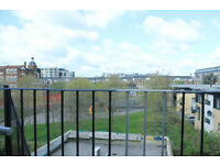 Beautiful penthouse with 2 double bedrooms breakfast bar balcony moments away from Kings Cross