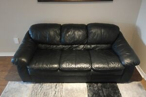 Leather Sofa ★ 905-849-9549