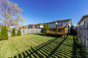 New Listing in East Windsor Windsor Region Ontario image 18