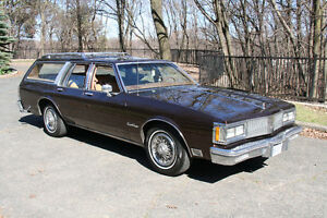 1988 Oldsmobile Custom Cruiser Station Wagon (Mint Condition)
