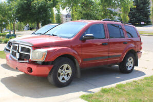 2006 Durango, 333k, strong engine and tranny, only $1000